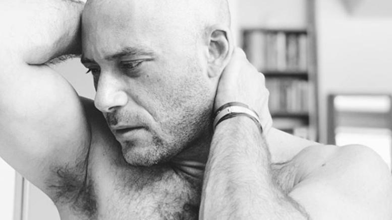 Ο Αντίνοος Αλμπάνης παλεύει με τον καρκίνο- Πώς το ανακοίνωσε (φωτο)