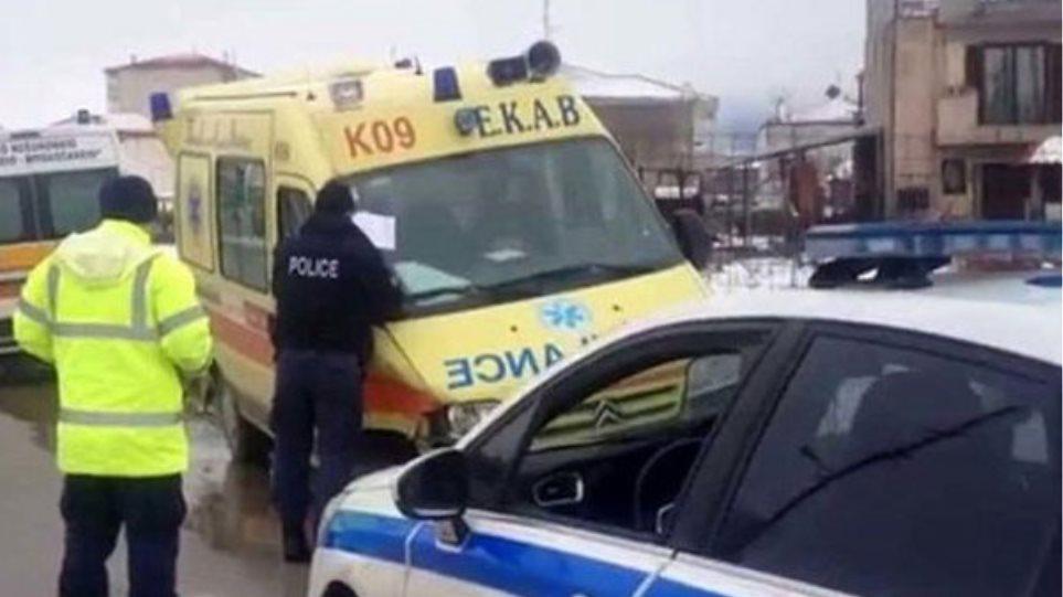 Οινόφυτα: Ένας νεκρός από σύγκρουση νταλίκας με λεωφορείο των ΚΤΕΛ