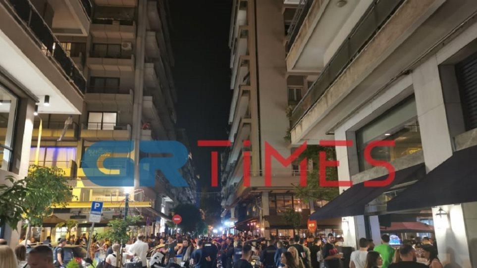 Θεσσαλονίκη: Χαμός για ένα ποτό – Επέμβαση της αστυνομίας! (ΒΙΝΤΕΟ)