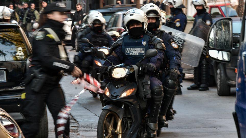 Νέο σχέδιο για τα Εξάρχεια: Φεύγουν τα ΜΑΤ, έρχονται πεζές περιπολίες, σκούτερ και ποδήλατα!