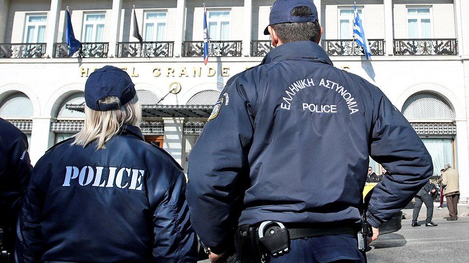 Κύκλωμα επίορκων αστυνομικών «ξέπλενε» Αλβανούς κακοποιούς με πλαστές ταυτότητες