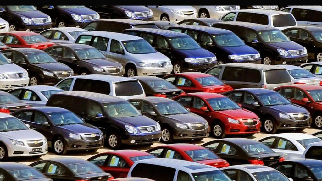 Ερχονται αλλαγές στο στόλο των αυτοκινήτων: Κίνητρα για τα ηλεκτρικά – Πρόστιμα για τα παλιά