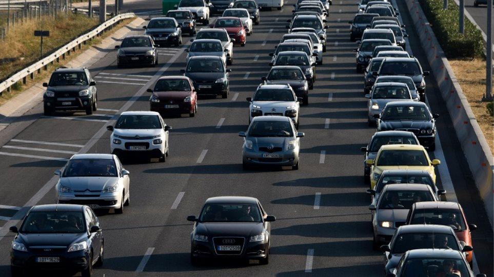 Διπλώματα οδήγησης: Ξεμπλοκάρουν 105.000 αιτήσεις – Στη Βουλή νομοθετική ρύθμιση!