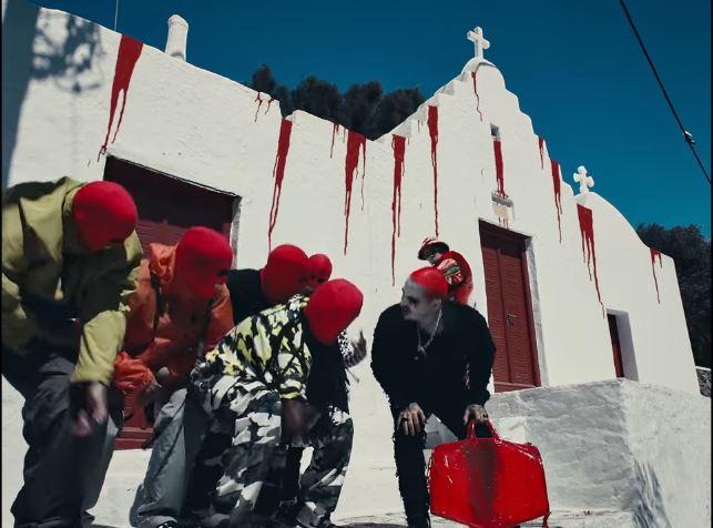 "J Balvin: Δεν… ""άνοιξε"" μύτη για το ΕΜΕΤΙΚΟ ΒΙΝΤΕΟ του ""καλλιτέχνη""  από την Κολομβία στην ΕΚΚΛΗΣΙΑ της Μυκόνου! (ΒΙΝΤΕΟ)"