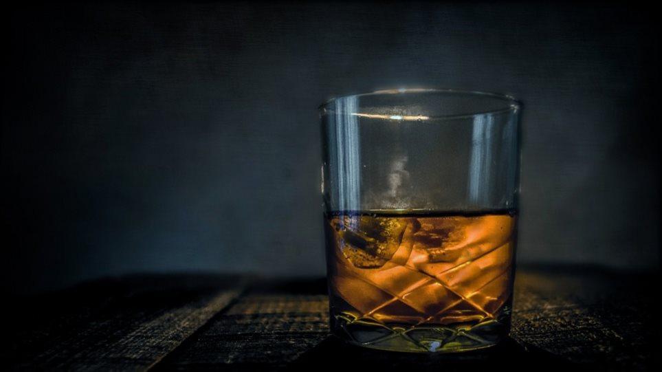 Υπουργείο υγείας: Μετά τον αντικαπνιστικό βάζει στο «στόχαστρο» το αλκοόλ!