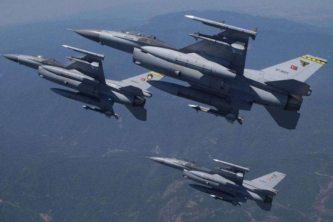 Σιγά μην σεβόντουσαν εθνικές εορτές: Τουρκικά F-16 πέταξαν πάνω από ελληνικά νησιά!