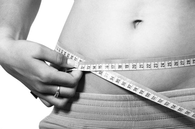Πώς θα απαλλαγείτε από το φούσκωμα στην κοιλιά