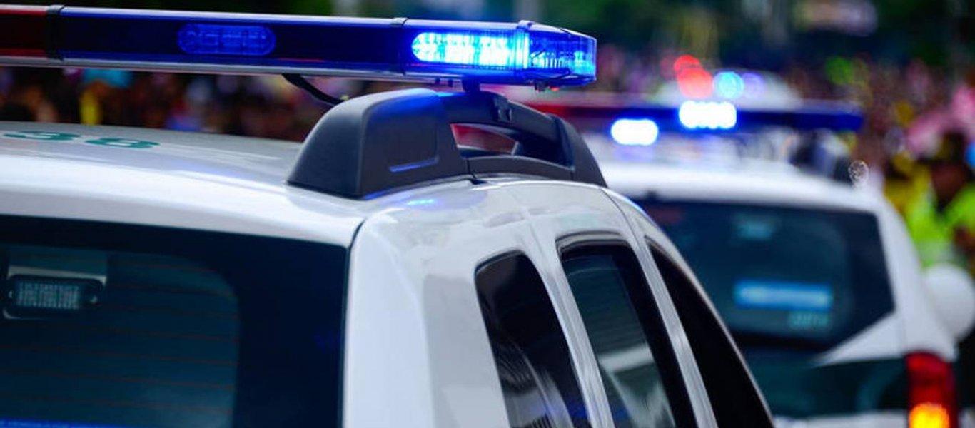 Νέα Φιλαδέλφεια: Επίθεση 30 ατόμων σε περιπολικό και σε ομάδα ΔΙΑΣ – Έξι τραυματίες αστυνομικοί (φωτο)
