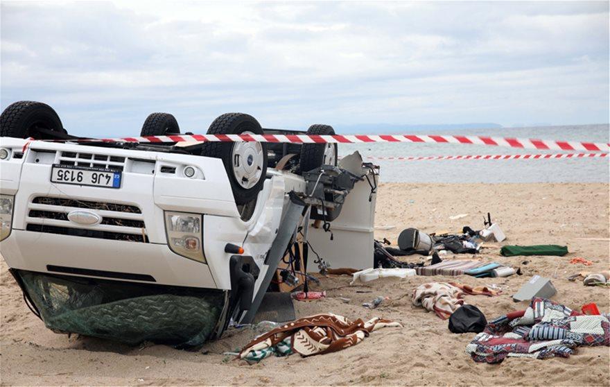 Χαλκιδική: Στους 7 οι νεκροί – Σορός εντοπίστηκε στη θάλασσα (pic&vid)