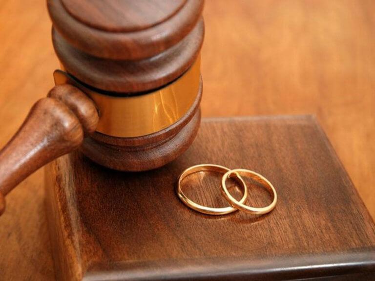 Εφορία: Χωρίς φόρο και χωρίς τεκμήριο τα λεφτά από… διαζύγιο!