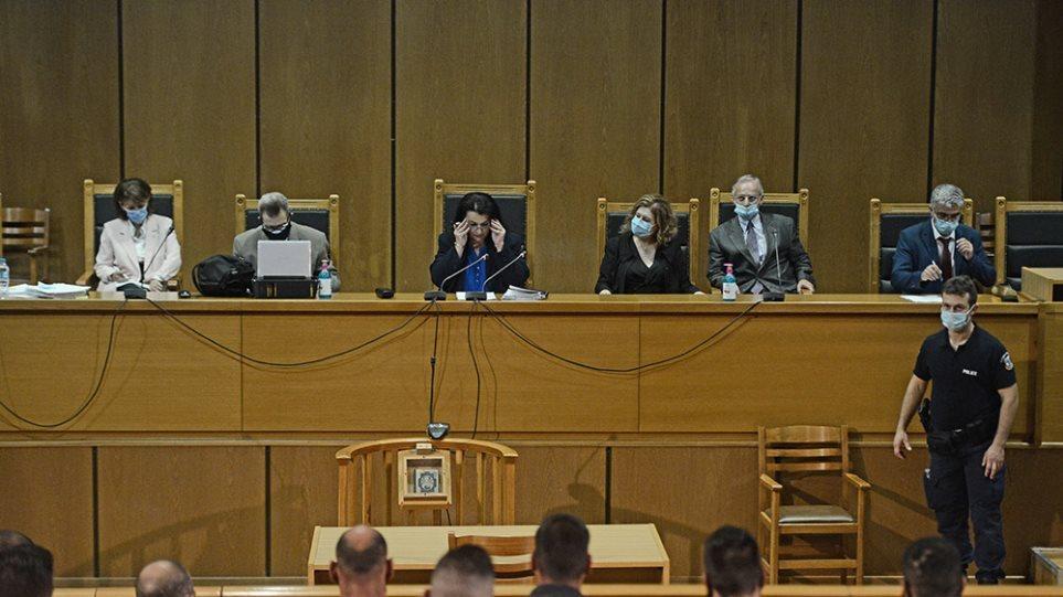 Δίκη Χρυσής Αυγής: Ξεκίνησε η συνεδρίαση – Δεκτό το αίτημα Λαγού, απορρίφθηκε το αίτημα Κασιδιάρη
