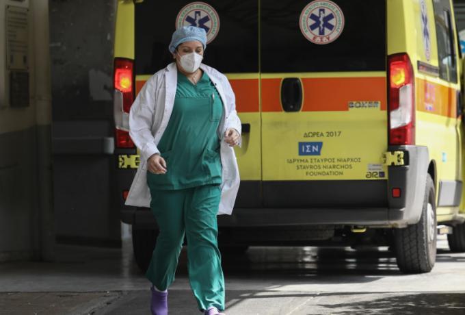 Κορωνοϊός: «Έκρηξη» με 2.147 νέα κρούσματα – 22 θάνατοι, 357 διασωληνωμένοι