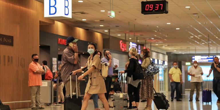 Κορωνοϊός: Αρνητικά τα πρώτα 250 τεστ τουριστών στα αεροδρόμια -Εγιναν συνολικά 5.889
