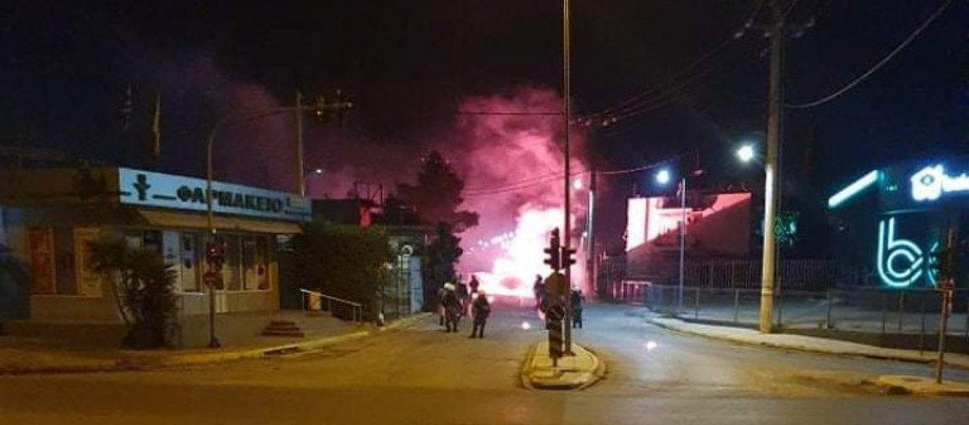 Κάτοικοι Ασπρόπυργου εναντίον κυβέρνησης για lockdown: «Ζούμε Χούντα – Μήπως το lockdown μπήκε για άλλους λόγους;» (BINTEO)