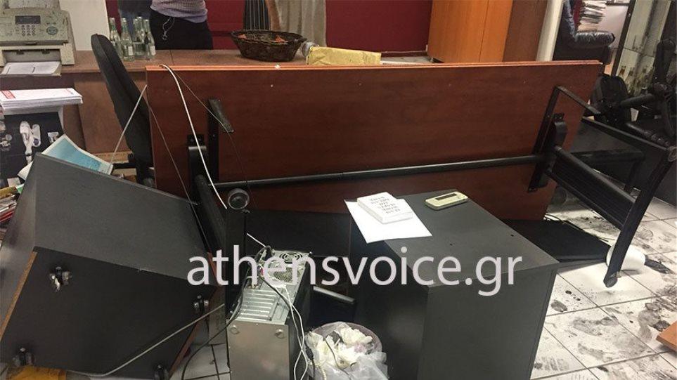 Ρουβίκωνας προς Athens Voice: Εχετε μια βδομάδα για να φύγετε από την περιοχή! (ΦΩΤΟ)