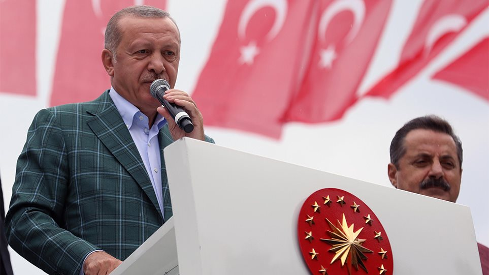 Προκαλεί ο Ερντογάν: Θα υπερασπιστούμε τα δικαιώματά μας στην ανατολική Μεσόγειο παρά τις απειλές της Δύσης!