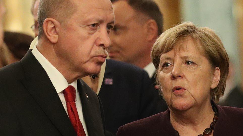 Έκτακτη επικοινωνία Μέρκελ – Ερντογάν για τη Λιβύη – Ραγδαίες οι εξελίξεις