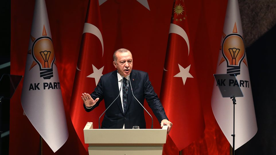 Ερντογάν κατά ΕΕ: Μας δίνουν μαθήματα, αυτοί που έχουν την κηλίδα της σφαγής!