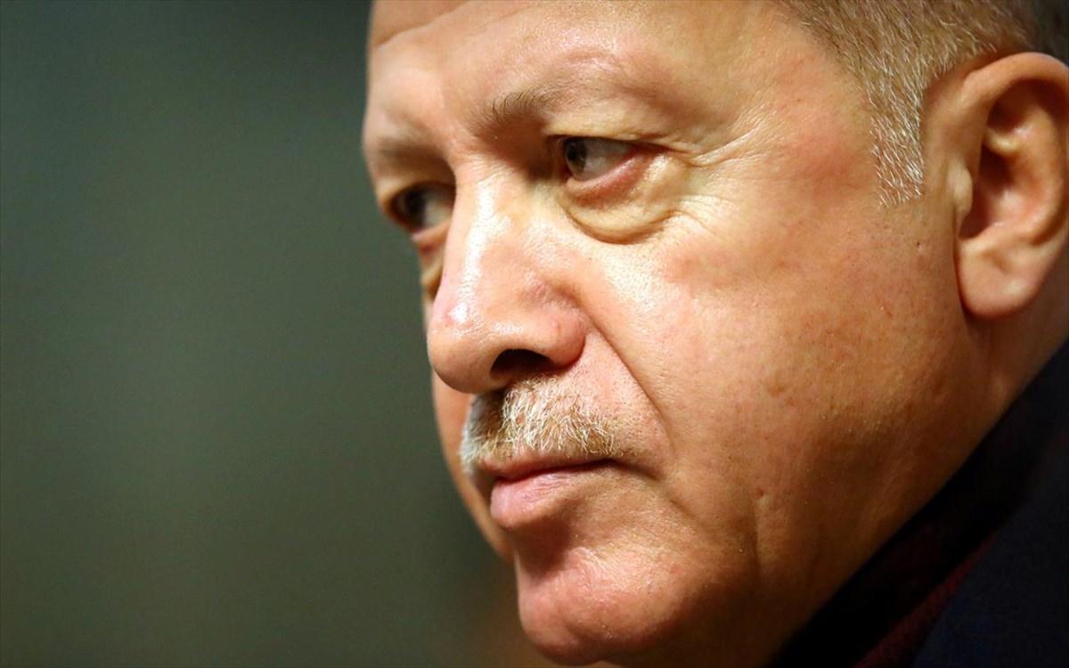 Ο Ερντογάν απειλεί όσους «συνωμοτούν» εναντίον της τουρκικής οικονομίας!