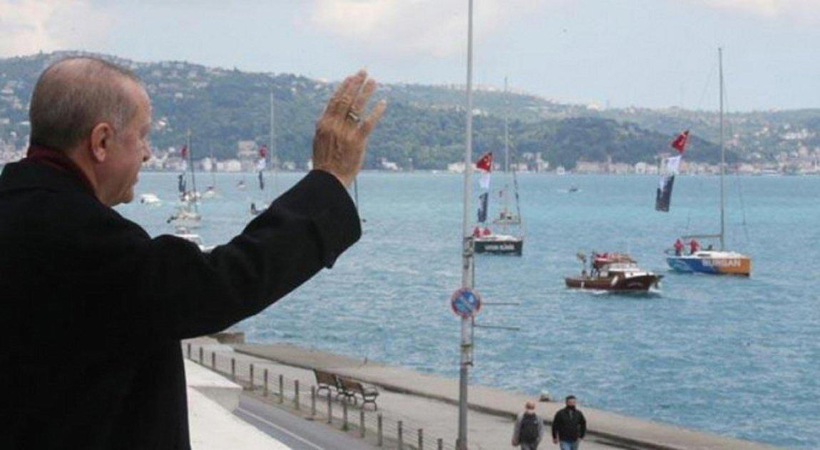 ΑΠΙΣΤΕΥΤΗ ΠΡΟΚΛΗΣΗ! Αρχισε το Τουρκικό σόου για την Άλωση, με τον Ερντογάν να χαιρετά πλοία στο Βόσπορο (ΒΙΝΤΕΟ)