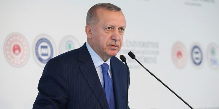 «Εσύ είσαι εγκεφαλικά νεκρός»: Απίστευτη επίθεση Ερντογάν σε Μακρόν για τις δηλώσεις του για το ΝΑΤΟ!