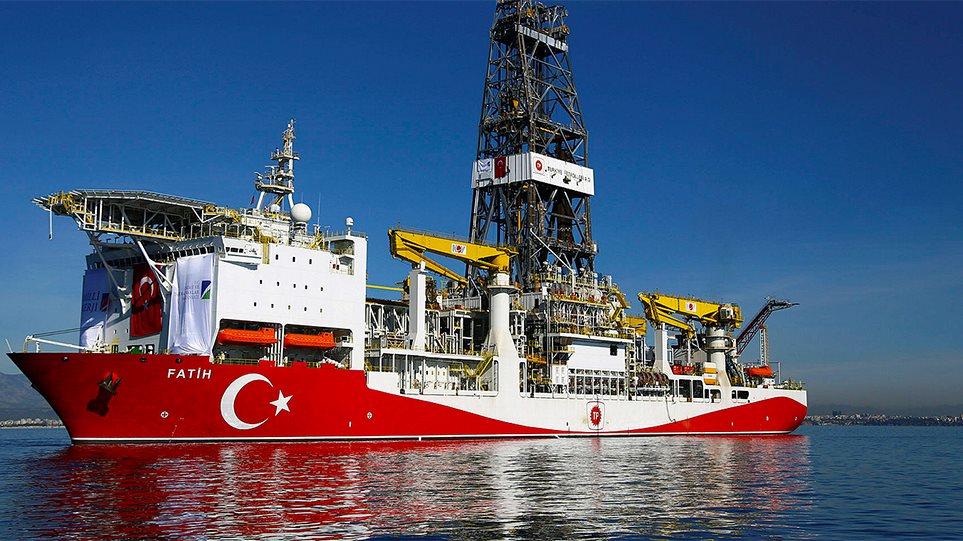 """Προκαλούν ξανά οι Τούρκοι: «Στα όρια της """"Γαλάζιας Πατρίδας"""" κάνουμε τις γεωτρήσεις»"""