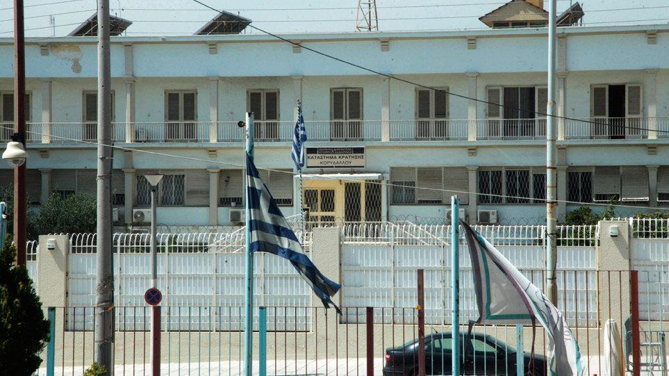 """""""ΝΤΟΥ"""" στον Κορυδαλλό σε κελιά καταδικασμένων για τρομοκρατία: Βρέθηκαν μαχαίρια, στειλιάρια, κινητά και χάπια!"""