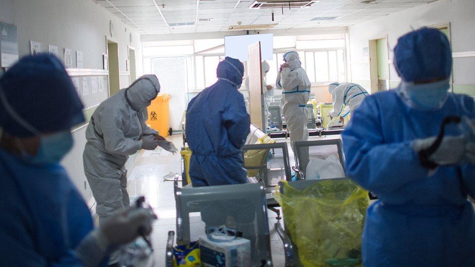 Κορωνοϊός: 56 τα θύματα – Τρεις νεκροί σε λίγες ώρες