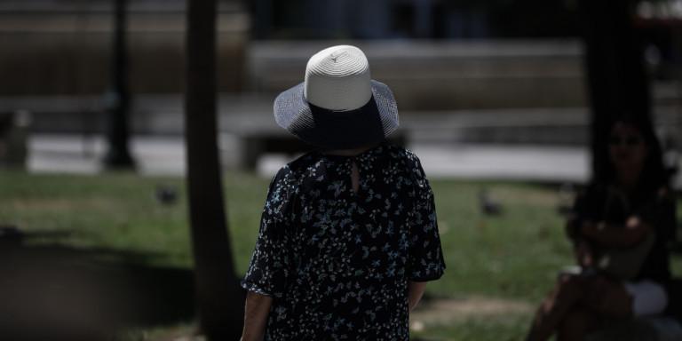 Ο καύσωνας έσπασε ρεκόρ: Το πιο ζεστό Σαββατοκύριακο Μαΐου στην Αθήνα εδώ και 160 χρόνια!