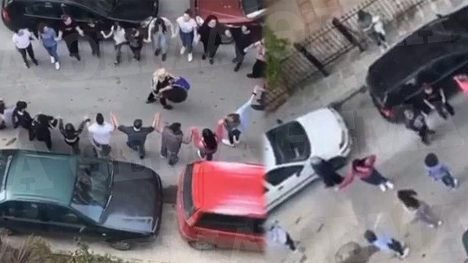 Τι κι αν τα μέτρα για τον κορωνοϊό προβλέπουν το… social distancing; Στη Θεσσαλονίκη δεν καταλαβαίνουν από κάτι τέτοια… Ποια καραντίνα; Έστησαν κανονικό ποντιακό γλέντι στο Κορδελιό! (βίντεο)