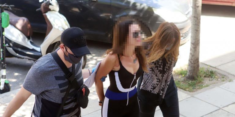 Θεσσαλονίκη: Η αυτοαποκαλούμενη παρουσιάστρια που επιτέθηκε στον Χαρδαλιά «δεν παρουσιάζει σοβαρή ψυχιατρική νόσο»
