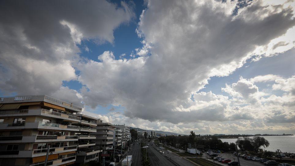 Καιρός: Ερχονται βροχές και καταιγίδες! Ένα νέο βαρομετρικό χαμηλό από τα δυτικά θα επιδεινώσει τον καιρό της χώρας έως τη Δευτέρα