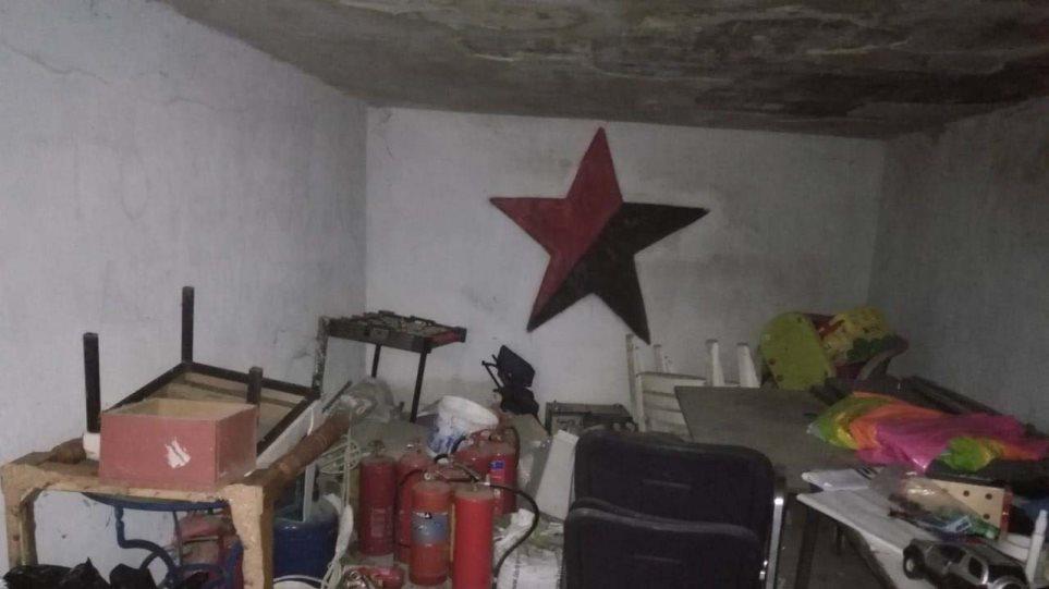 Κοντάρια, κράνη και πυροσβεστήρες βρήκε η ΕΛΑΣ στην κατάληψη στο Μαρούσι! (ΦΩΤΟ)