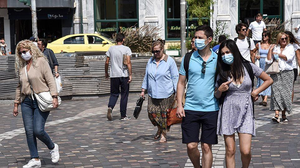 Μέτρα για τον κορωνοϊό: Συνεδριάζουν για νέα μέτρα – Πόσο κοντά είμαστε στο «μάσκες παντού»