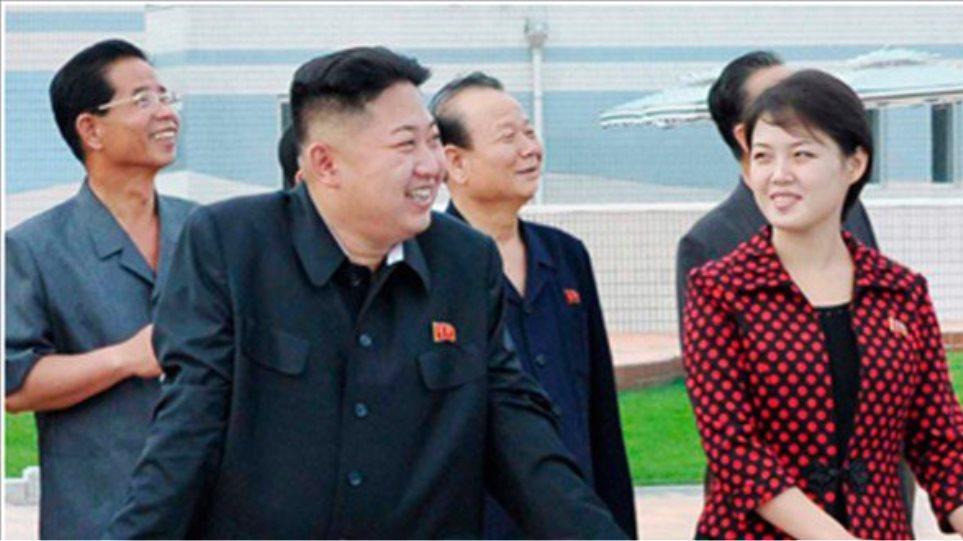 Κιμ Γιόνγκ Ουν: Οι τρεις πανίσχυρες γυναίκες στη ζωή του Βορειοκορεάτη ηγέτη! (φωτο)