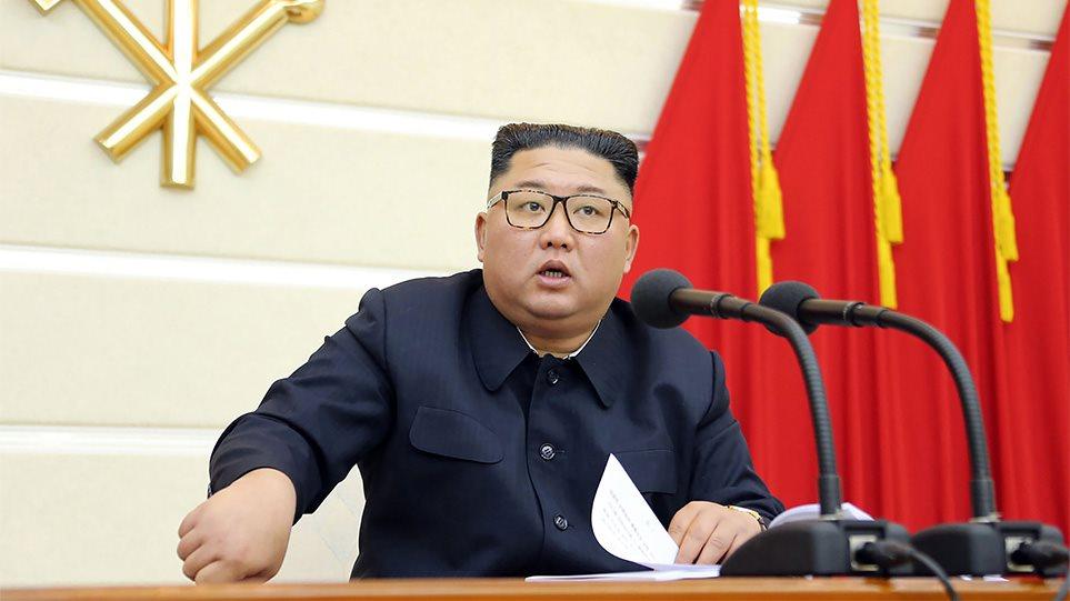 «Όργιο» φημών για τον Κιμ Γιονγκ Ουν: Τα σενάρια θανάτου και το… οικογενειακό τρένο σε θέρετρο!