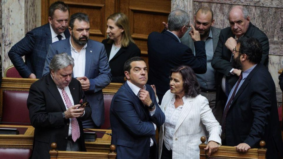 """AΞΙΟΠΙΣΤΟΙ"" για μια ακόμη φορά οι ΣΥΡΙΖΑΙΟΙ! Ακυρώνει τα μέτρα υπέρ της «μεσαίας τάξης» η κυβέρνηση! Καταργεί αύριο την μείωση στον φόρο εισοδήματος, στην ειδική εισφορά και τον ΕΝΦΙΑ!"
