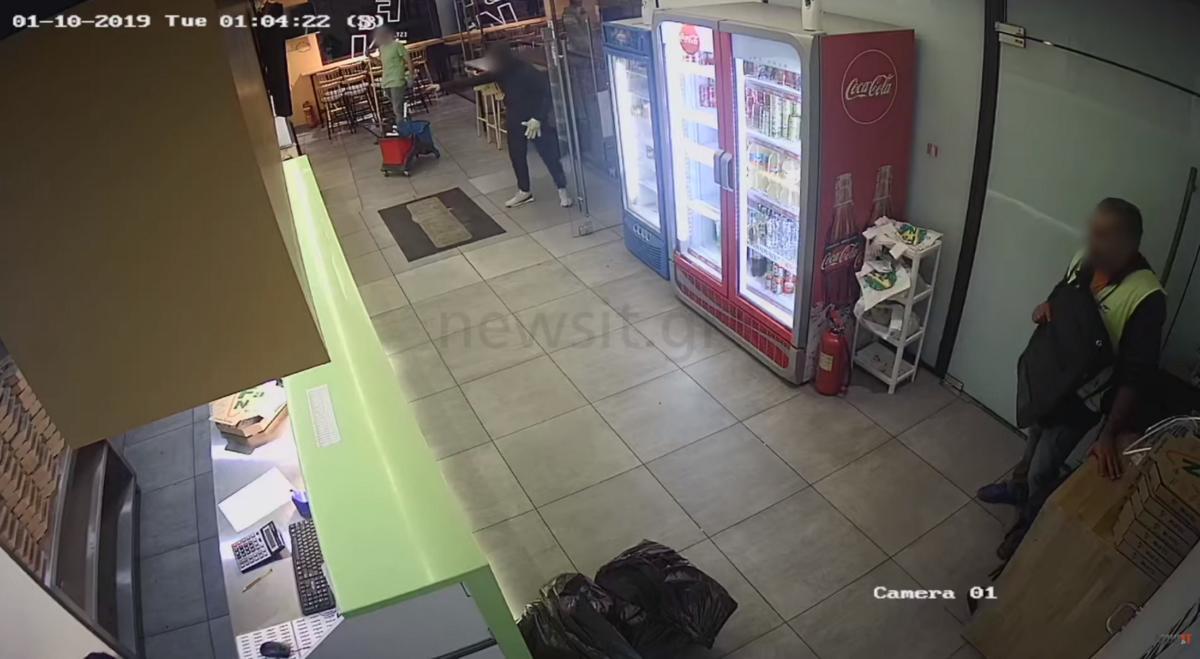 Τρόμος στο Γαλάτσι! Δείτε τη ληστεία σε πιτσαρία στην πολυσύχναστη Λ. Βεΐκου! «Τελείωνε μ@ρη κ@@λ@» (ΒΙΝΤΕΟ)