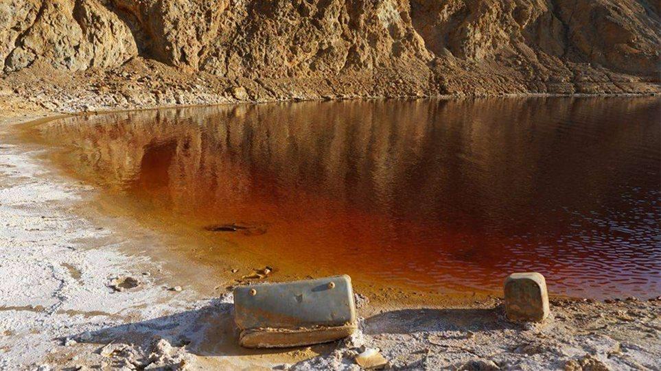 Serial killer στην Κύπρο: Τι κρύβουν οι βαλίτσες στην «Κόκκινη Λίμνη» – Ψάχνουν ακόμα τρία πτώματα (φωτο)
