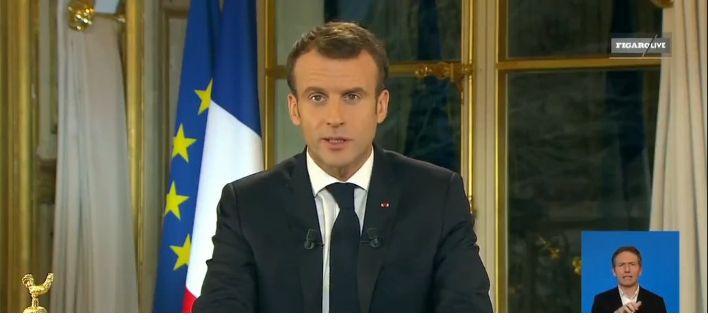 Ο Μακρόν ανακοίνωσε αύξηση 100 ευρώ το μήνα για όλους τους Γάλλους  Πηγή: Ο Μακρόν ανακοίνωσε αύξηση 100 ευρώ το μήνα για όλους τους Γάλλους