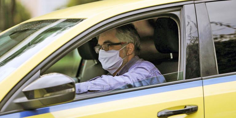 Lockdown στην Αττική: Μετακινήσεις με ΙΧ, ταξί και ΜΜΜ -Τι ισχύει για μάσκες και αριθμό επιβατών