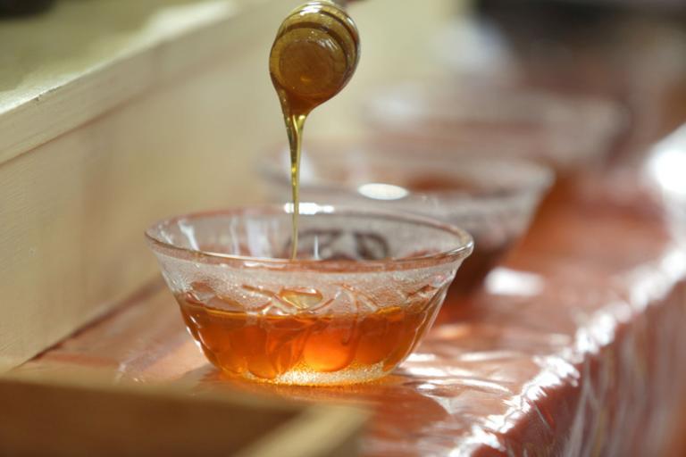 Πέρασε 82 ημέρες στη φυλακή επειδή μετέφερε… τρία μπουκάλια μέλι!