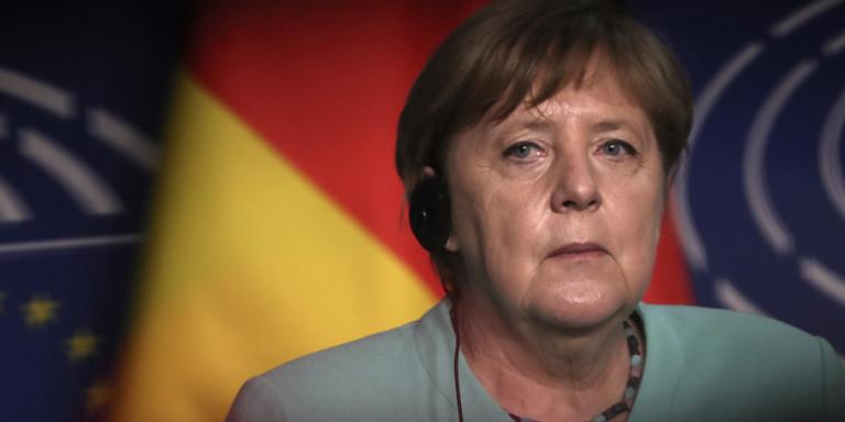 Bloomberg: Πώς μπορεί η Μέρκελ να κατευνάσει την ένταση μεταξύ Ελλάδας και Τουρκίας