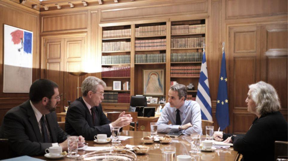 Ο Μητσοτάκης πάει στον Τραμπ και οι ΗΠΑ στηρίζουν την Αθήνα – Πάιατ: Πυλώνας σταθερότητας η Ελλάδα!