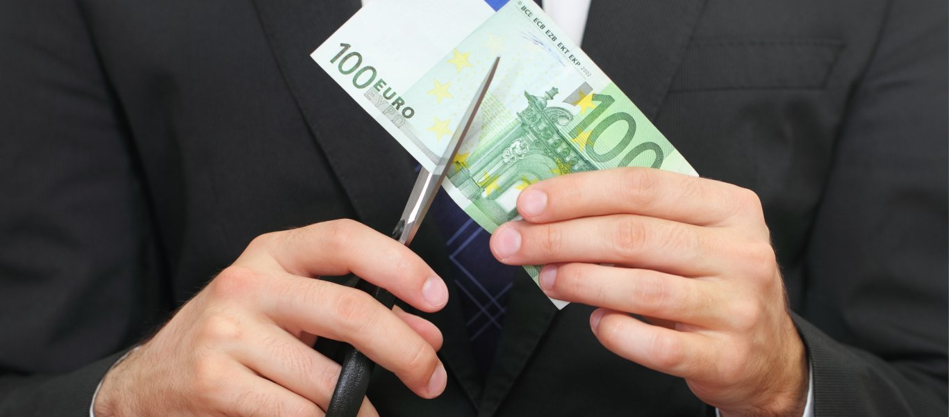 Η Moody's αποκαλύπτει τον ελληνικό οικονομικό «όλεθρο»: «Ξεχάστε τον τουρισμό το 2021 – Το χρέος θα είναι πάνω από 200%»