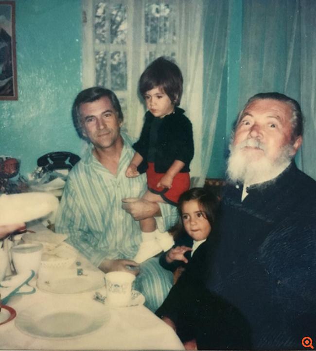 Πρωϊνό 26ης Σεπτεμβρίου 1989. 4 άτομα, εκτελούν στο ασανσέρ του γραφείου του, τον Παύλο Μπακογιάννη!