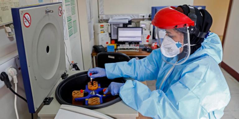 Ειδικός για κορωνοϊού: «Ένας φορέας μπορεί να είναι υπεύθυνος για τη μόλυνση έως και 59.000 άτομων»