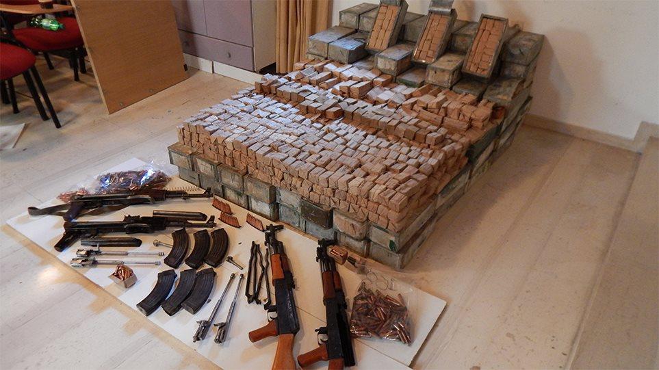 Κύκλωμα εμπορίας καλάσνικοφ στην Κρήτη: Πώς έφερναν τα όπλα από την Αλβανία! (βιντεο)