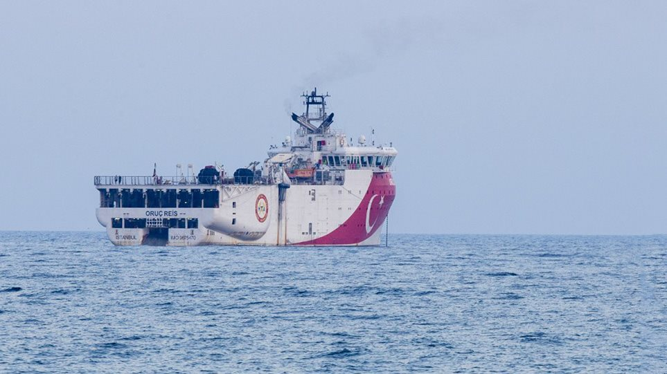 Θρίλερ για γερά νεύρα με το Oruc Reis – «Έσπασε» τα 12 ναυτικά μίλια από το Καστελόριζο και πλέον απομακρύνεται! (φωτο)