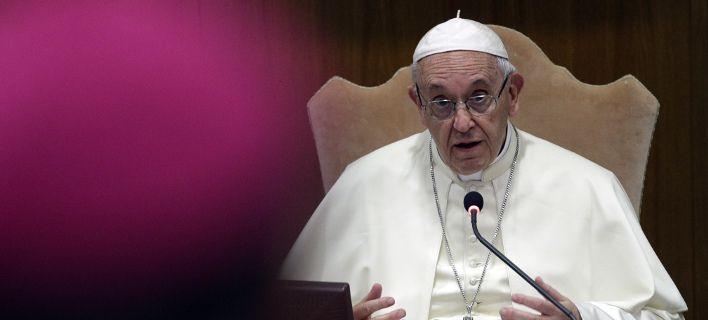 Πάπας Φραγκίσκος: «Εκτός κλήρου οι ομοφυλόφιλοι -Με ανησυχεί ότι έγιναν της μόδας οι γκέι»  Πηγή: Πάπας Φραγκίσκος: «Εκτός κλήρου οι ομοφυλόφιλοι -Με ανησυχεί ότι έγιναν της μόδας οι γκέι»